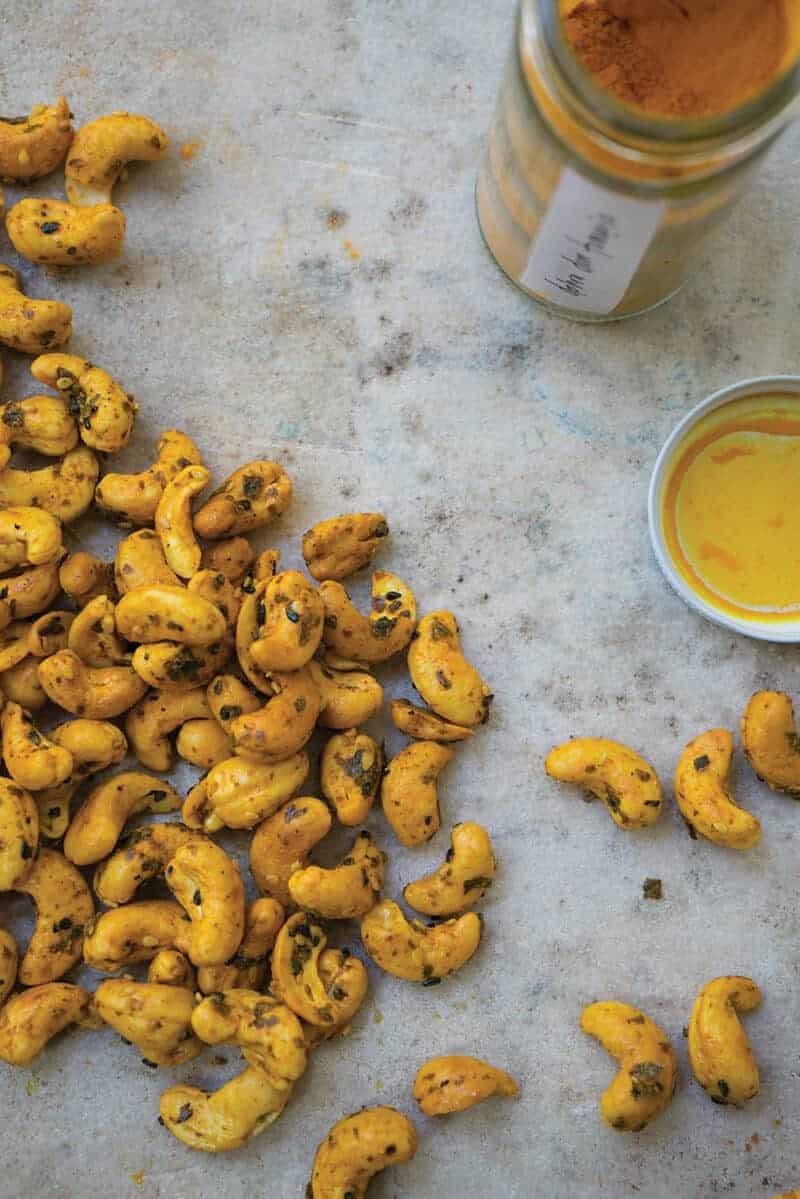 turmeric cashews