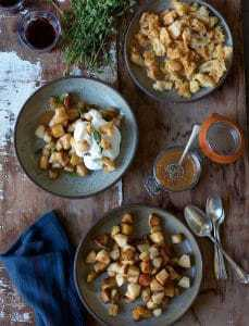 In the Kantine Kitchen: Roasted apples with cream and black pepper caramel sauce