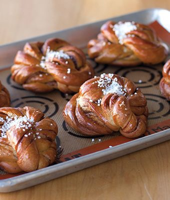 swedish cinnamon knots
